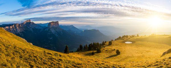Lever de soleil sur les Hauts Plateaux du Vercors & le Mont Aiguille