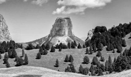 REF : 3217 - Le Mont Aiguille depuis le Pas de l'Aiguille