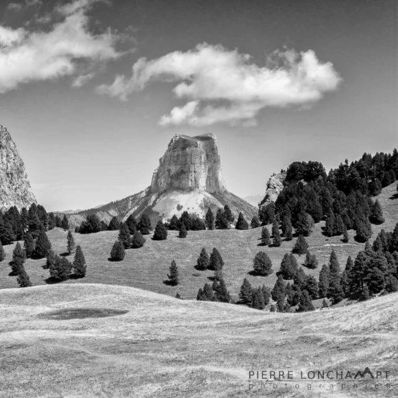 Le Mont Aiguille depuis le Pas de l'Aiguille
