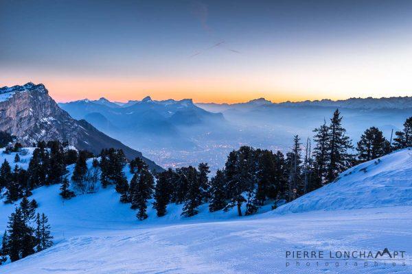 Aube hivernale sur le Vercors et les Alpes
