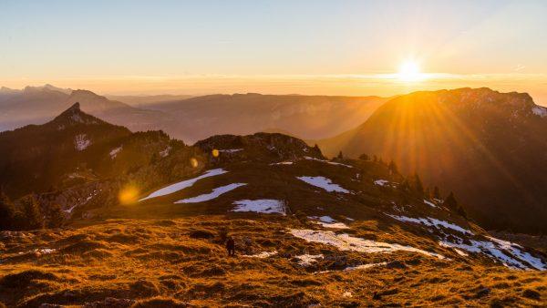 Coucher de soleil d'hiver sur le Vercors depuis le Charmant Som