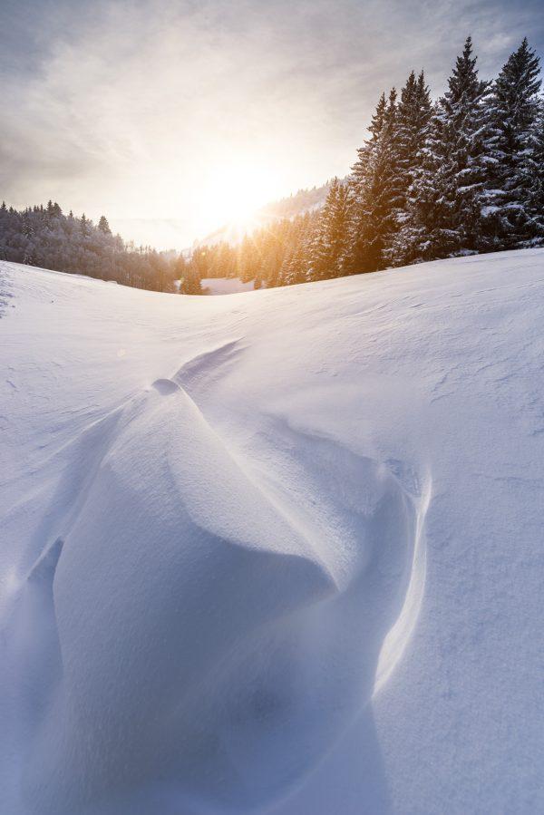 Coucher de soleil sur la neige vierge du Vercors