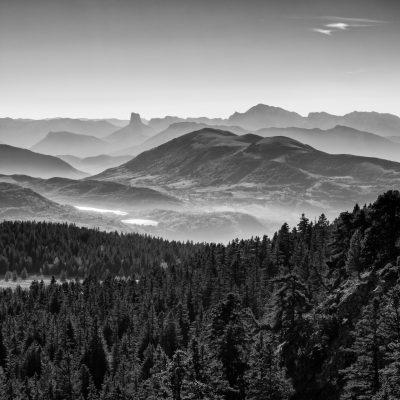 Panorama en noir & blanc sur le Vercors depuis la chaîne de Belledonne #2