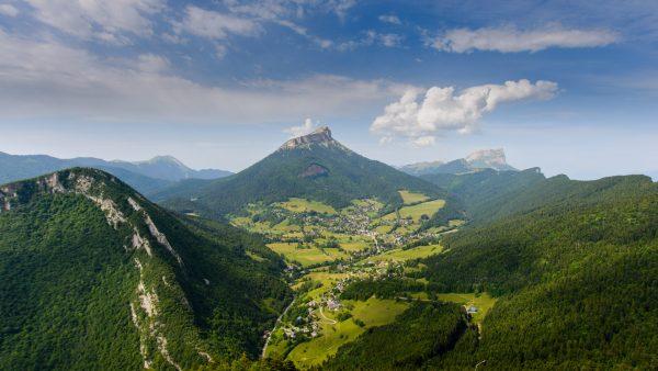 Panorama sur le Sappey-En-Chartreuse et le massif de la Chartreuse