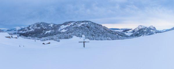 panorama des Bauges en hiver