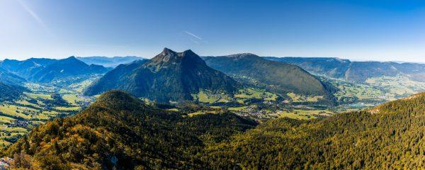 Panorama depuis Mont Julioz dans les Bauges
