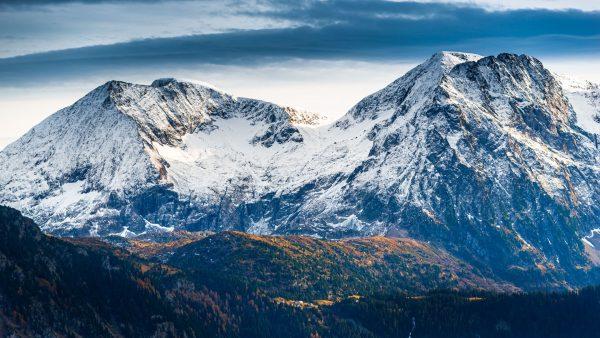 Couleurs d'automne et premières neiges sur le Taillefer