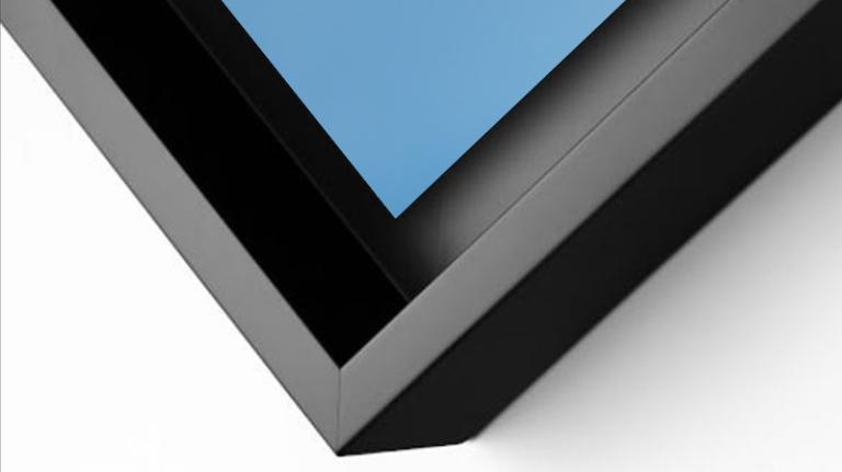 détail d'une caisse américaine en aluminium noir