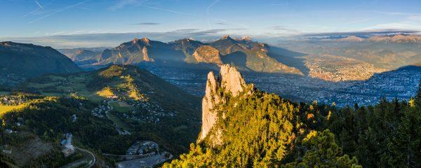 Panorama sur la Chartreuse, les 3 Pucelles et Grenoble